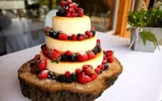 Трехъярусный свадебный торт: модные тенденции