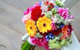 Летние свадебные букеты — креативные композиции