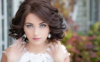 Прическа на свадьбу на кудрявые волосы — короткие, длинные