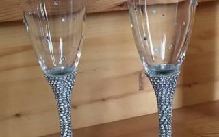 Свадебные бокалы со стразами — декор фужеров на свадьбу