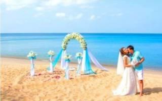 Как выбрать свадебное платье в пляжное и в морском стиле
