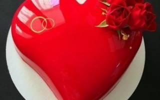 Свадебные торты в виде сердца — модные идеи