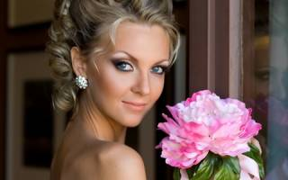 Яркий свадебный макияж с красными губами — мастер-класс