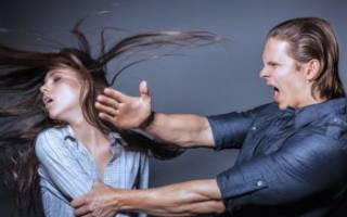 Муж поднял руку на жену — полезные советы психолога