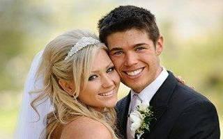 Свадебная фотосессия в студии — идеи поз для молодожен