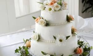 Одноярусные свадебные торты: плюсы, минусы, виды