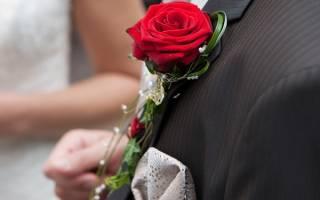 Красно-белая свадьба — оформление зала, платье, букет