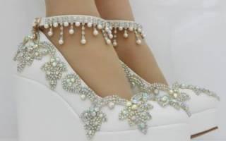 Свадебные туфли на танкетке для невесты — фото обзор