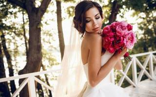 Свадебный букет из пионов для невесты — белый, нежно-розовый