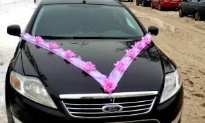 Ленты на машину на свадьбу — как сделать и закрепить на капоте